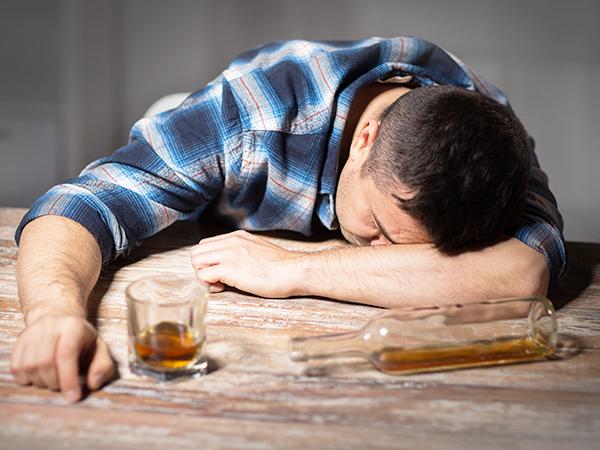 Какие ошибки можно допустить при лечении алкокозависимых
